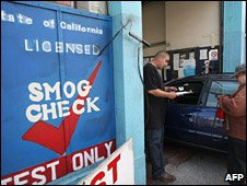 Emissions test at Smog Queen in San Francisco, 18 May 2009