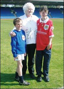 Bristol City mascot Sam Hewitt with grandmother Aileen Hewitt, daughter of Archie Annan