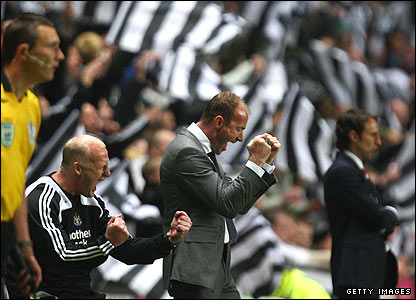 Iain Dowie and Alan Shearer celebrate the win over Boro