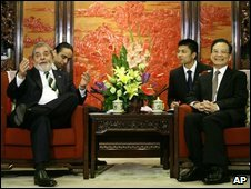 Brazilian President Luiz Inacio Lula da Silva and China's Premier Wen Jiabao