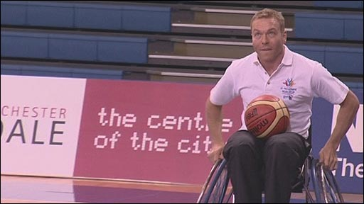 Sir Chris Hoy playing wheelchair basketball