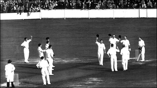 Don Bradman is applauded by England players at the Oval