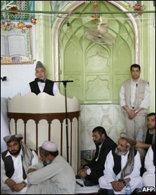 Karzai speaks at a mosque in Farah city, 19 May 19