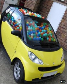 Smart car filled with balls (NPL)