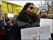 Roma demonstration in Prague, 11 Apr 07 (file pic)
