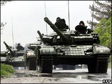 Georgian tanks outside Tbilisi (5 May 2009)