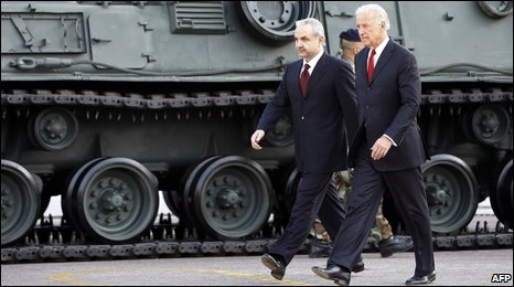 Lebanese Defence Minister Elias al-Murr and US Vice-President Joe Biden in Lebanon