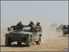 US troops in Iraqi desert