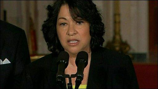"""Sotomayor defiende comentario sobre """"latina inteligente"""""""
