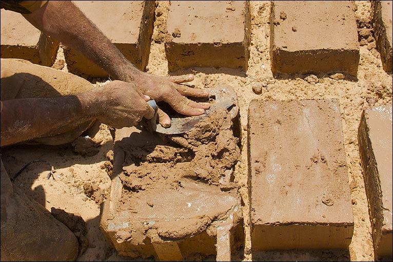 Как сделать кирпичи из песка 925