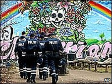 Danish police in Christiania 2004