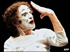 Marcel Marceau as Bip in 2005