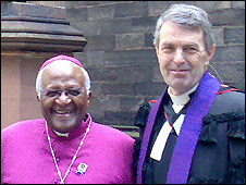 Archbishop Desmond Tutu with the Moderator Bill Hewitt