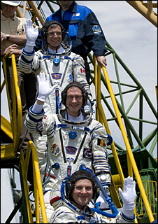 Crew of Soyuz prior to launch (Esa)