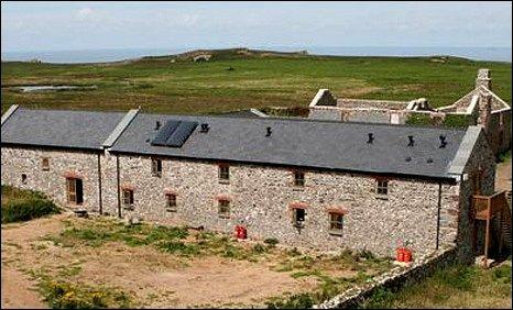 Farmhouse complex accommodation on Skomer