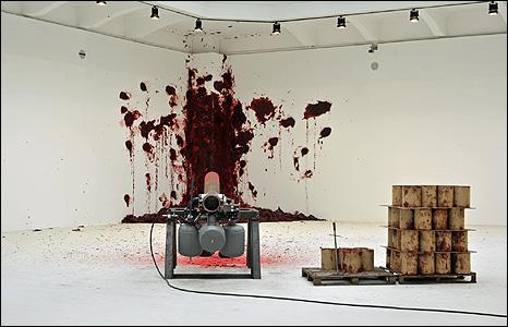 Shooting in the Corner. Photo: Wolfgang Woessner