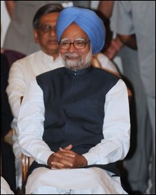 Indian Prime Minister Manmohan Singh waits to take the oath of office at a swearing in ceremony at The Presidential Palace in New Delhi on May 22, 2009.