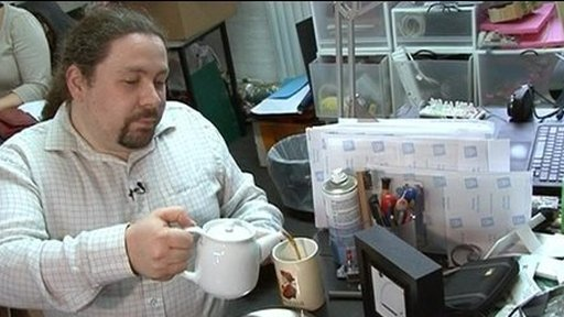 Inventor of device to measure the amount of tea in a teapot