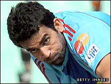 Zaheer Khan in action for the Mumbai Indians