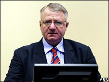 Vojislav Seselj in court (March 2009)