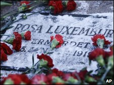 The grave for Rosa Luxemburg in Berlin (file image)