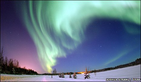 Aurora borealis (Joshua Strang/US Air Force)