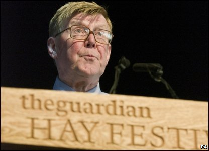 Alan Bennett speaking at the Hay Festival