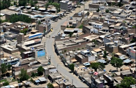 Deserted streets in Mingora, 28 May