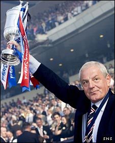 Walter Smith lifts the Scottish Cup at Hampden