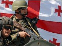 جنود جورجيون يشاركون في مناورات مع الناتو