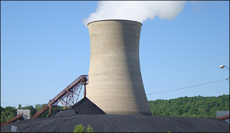 Chimney at Big Sandy coal plant (BBC)