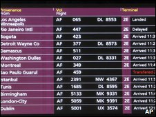 Arrivals board at Charles de Gaulle airport, Paris (1 June 2009)