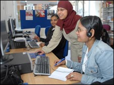 People at a UK Online centre