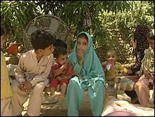 Children displaced from Swat valley fighting