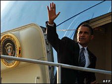 Barack Obama boards Air Force One for his Middle East trip