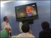 لقطة تلفزية للمرشح مير حسين موسوي