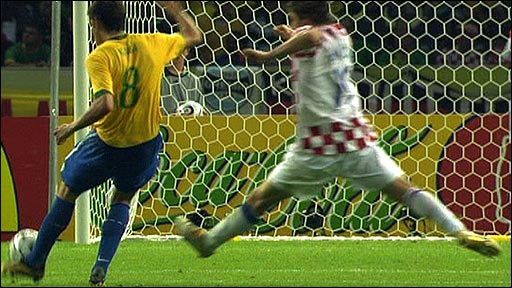 Kaka scores against Croatia