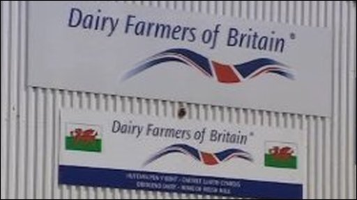 Dairy farmers of Britain sign