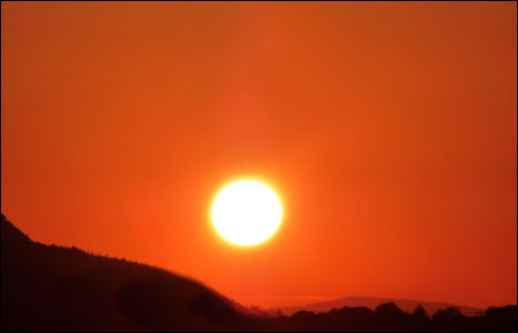 Sunrise in the Vale of Neath on 31 May ( Mike Davies from Neath)