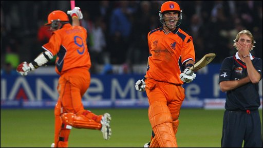 Netherlands win on the last ball
