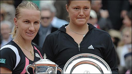 Svetlana Kuznetsova (left) and Dinara Safina
