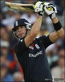 Kevin Pietersen batting against Pakistan