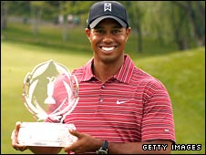 Tiger Woods celebrates at Muirfield, Ohio