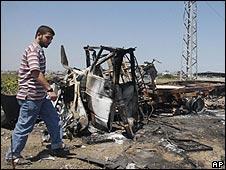 Wreckage from clash on Gaza border 08.06.09