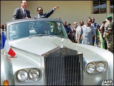 French President Jacques Chirac and Omar Bongo touring Libreville in a official Rolls Royce in 1996