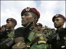 Sri Lankan army commandos march during a special parade for military regiments who took part inrecent battles, Colombo, Sri Lanka, Thursday, May 28, 2009