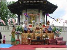 Battersea Peace Pagoda