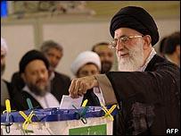 عل خامنئي وجه كلمة للإيرانيين بعد الإدلاء بصوته