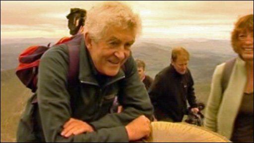 Rhodri Morgan arrives at the summit of Snowdon