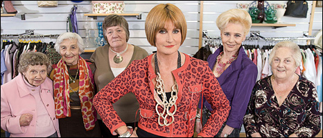 Mary Portas (c) and the volunteers
